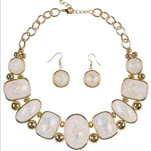 Jewelry - Opalescent Statement Necklace & Earring Set